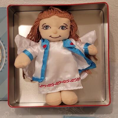 Lot 228: Hallmark Christmas Angel Tin with Angel, Glitter and Book