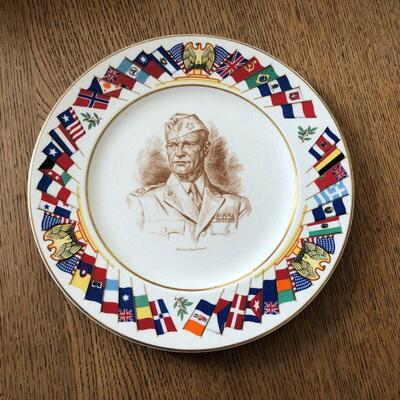 Lot 9 - Allied Nations Commemorative Plate General Eisenhower