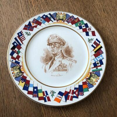 Lot 16 - Allied Nations Commemorative Plate General MacArthur
