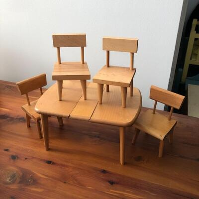 Lot 22 - Vintage Strombecker Table and Chairs