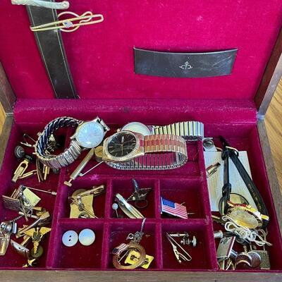Large vintage Men's jewelry lot