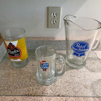 Beer related items  / pitcher, glasses