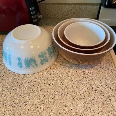 Pyrex bowl group