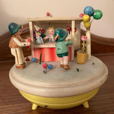 West German wind-up music player