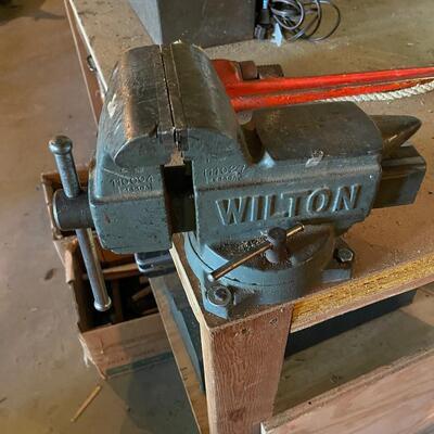 Large Wilton bench vise
