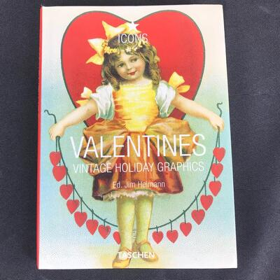 Valentines: Vintage Holiday Graphics Soft Cover Book