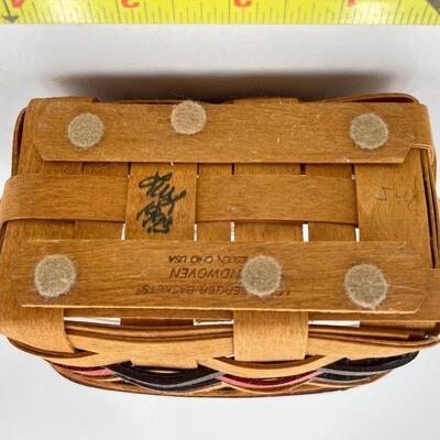 LONGABERGER 1993 ALL AMERICAN SMALL TEA BASKET W/ LID