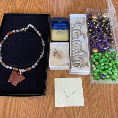(L) Jewelry Lot