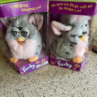 2 NIB / NOS Furby's (70-800) Circa 1998