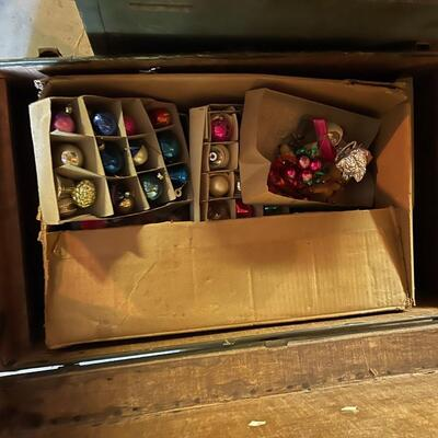 Trunk + contents / Vintage Christmas ornaments