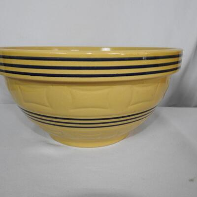 Pottery Barn Blue Ribbon Bowl