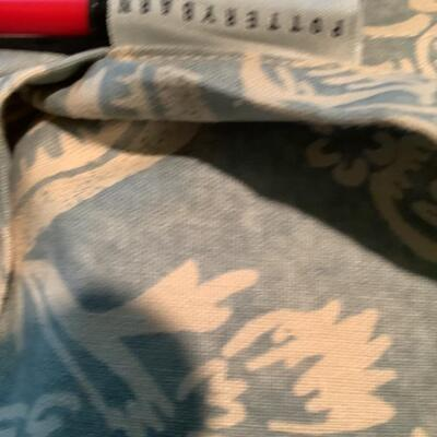 127 Pottery Barn Queen Duvet Cover and 3 Pillow Shams