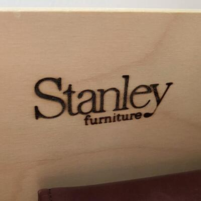 LOT#17U: Stanley Furniture Co. Lighted Display Unit