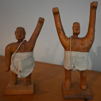 Man sculpture pair #2
