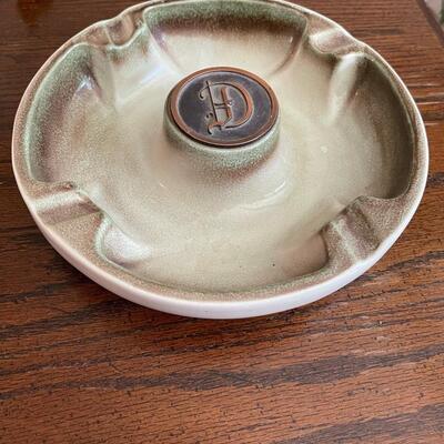 LOT 1 - No. 1900, The Hyde Park, Round Ashtray, Roseville Pottery
