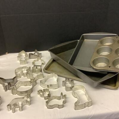 217 Lot of Antique Cookie Cutters & Baking Pans