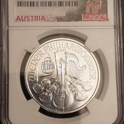1 os graded silver coin .Very nice philharmonic. High grade