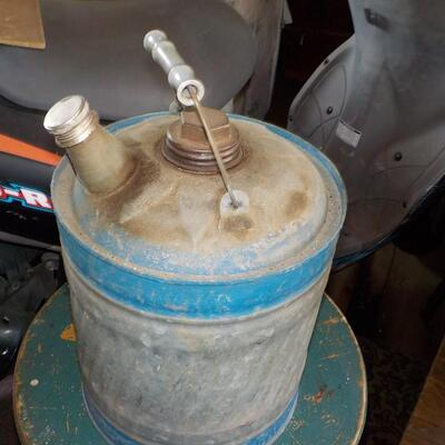 1950's Reeves Tite Kote coat 5 gallon gas can.