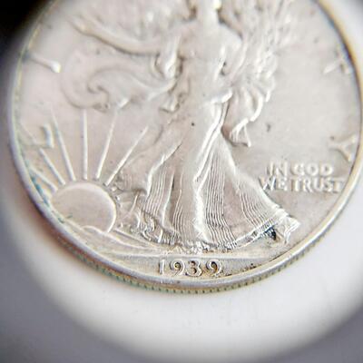 1939 SILVER WALKING LIBERTY DOLLAR COIN