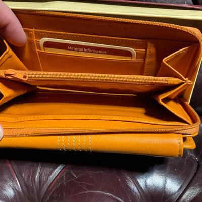 Buxton clutch  purse