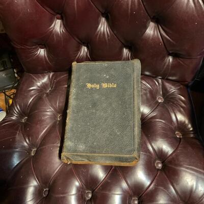 1944 Bible