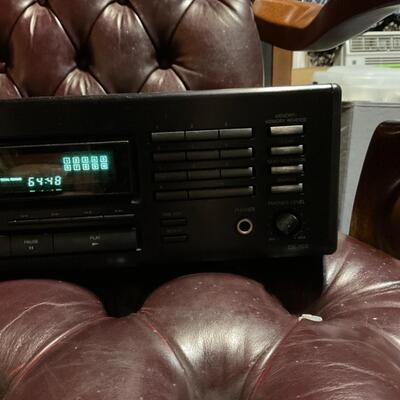 Onkyo R1 Compact Disc Player Model DX-703