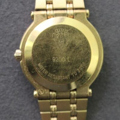 LOT#C8: Ladies Gucci Gold Plated Watch