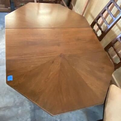 LOT#L14: Harvey Probber Style Table & 5 Chairs with Leaf