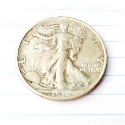 1939 SILVER WALKING LIBERTY 1/2  DOLLAR COIN