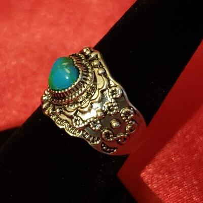 Vintage Sterling silver  Native turquoise  natural turquoise ring 11.4 g g