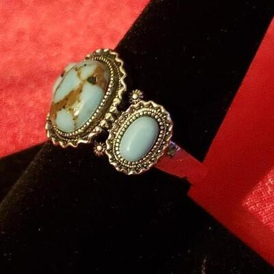 Vintage Sterling silver  Native natural oval turquoise ring  12 3 g