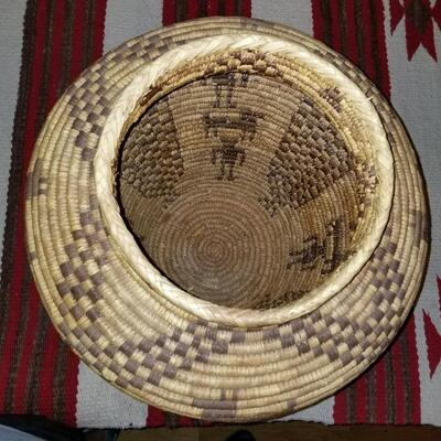 Large Papago Tohono O'odom Figural basket: