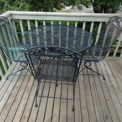 LOT 2  PATIO TABLE WITH CHAIRS & UMBRELLA STAND