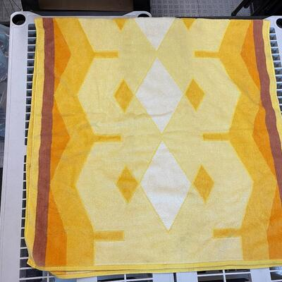 Vintage Yellow Gold Geometric Body Towel by Saydah