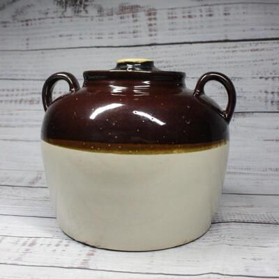 Ceramic potteryVintage Made in U.S.A. Double Handle Bean Pot
