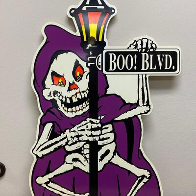 Large Plastic Halloween Scary Seasonal Holiday Decor Yard Garden Sign