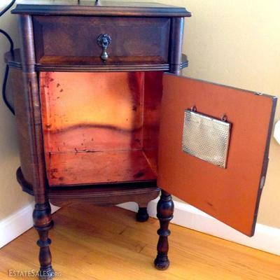 Antique Cigar Humidor With Copper Lining Excellent!
