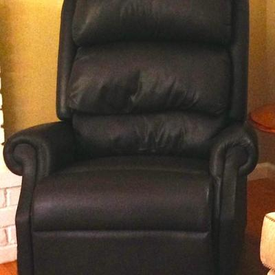 New Auto Lounger Power Recliner