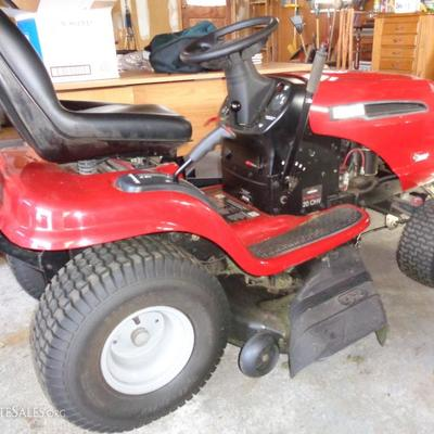 Craftsman Ride On Lawn Tractor Intex LT 3000 Comes with 40