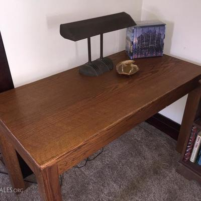 nice oak parsons table
