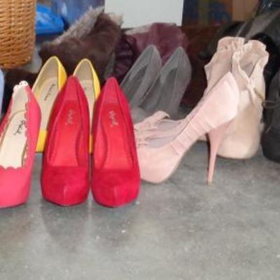 Woman's shoe's size 8 - 8 1/2
