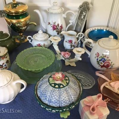Variety of china and pottery pieces