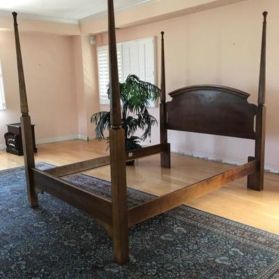 Canopy king size bed