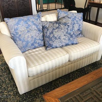 Bauhaus love seat (1 of 2)