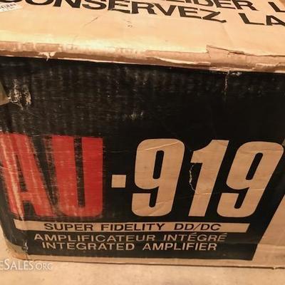 AU-919 Integrated Ampliflier.