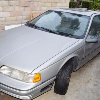 1991 Ford Thunderbird. Runs. Needs work. Available for Pre-sale. $500