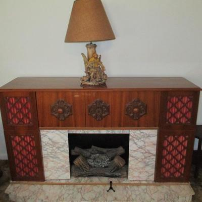 MID CENTURY WORKING RECORD PLAYER STEREO SYSTEM/FIREPLACE/BAR