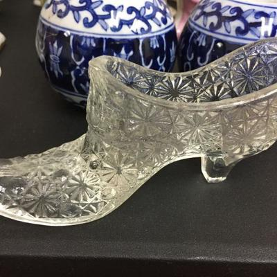 Depression glass shoe - clear.
