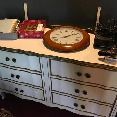 French provincial dresser w/mirror