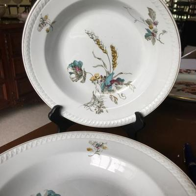 Antique. Powell, Bishop & Stonier. Pink & blue floral and yellow wheat. Marking: 1876-1878. 4 plates.